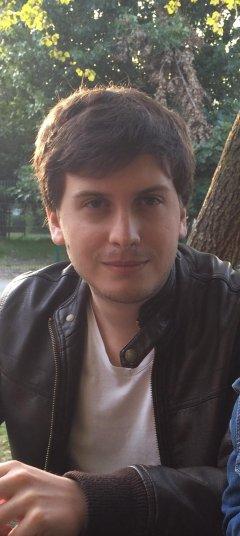 Steven Varoumas